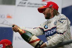 Podio: Nick Heidfeld spray de champagne
