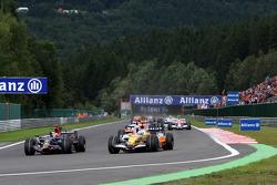 Sébastien Bourdais, Scuderia Toro Rosso, STR03 leads Fernando Alonso, Renault F1 Team, R28