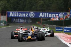 David Coulthard, Red Bull Racing devant Adrian Sutil, Force India F1 Team et Jenson Button, Honda Ra