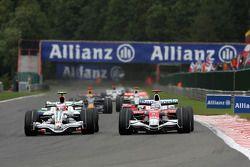 Rubens Barrichello, Honda Racing F1 Team et Jarno Trulli, Toyota Racing