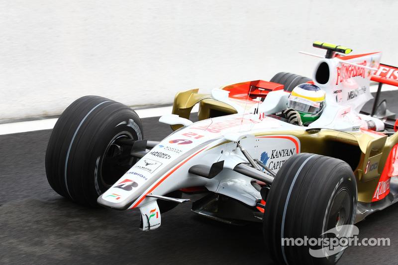 Giancarlo Fisichella - 9 abandonos en la primera vuelta