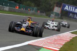 David Coulthard, Red Bull Racing devant Jenson Button, Honda Racing F1 Team