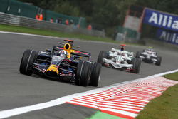 David Coulthard, Red Bull Racing, RB4 leads Jenson Button, Honda Racing F1 Team, RA108