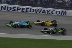 Ryan Hunter-Reay leads Tomas Scheckter and Ernesto Viso