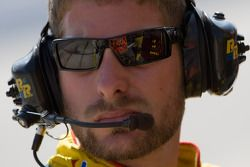 Juan Pablo Montoya's Juicy Fruit Ganassi Dodge crew waits to pit