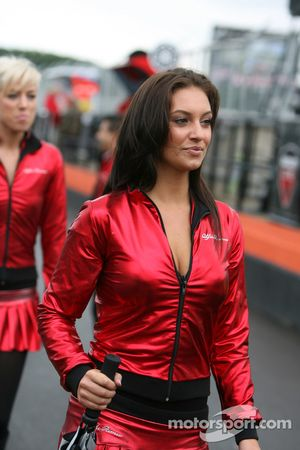 Промо-девушки Alfa Romeo
