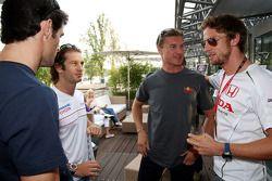 Mark Webber, Red Bull Racing, Jarno Trulli, Toyota Racing, David Coulthard, Red Bull Racing et Jenson Button, Honda Racing F1 Team