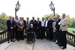 FOTA, photo de groupe des managers Formula One Team