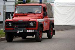La Land Rover Defender pour les feux d'artifice
