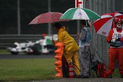 Jenson Button, Honda Racing F1 Team, RA108, marshalls