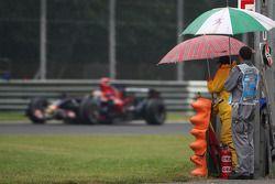 Sébastien Bourdais, Scuderia Toro Rosso et des officiels