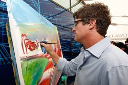 Formula One and GP2 Drivers unite for solidarity: artist Bill Patterson at work