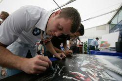 Les pilotes F1 et GP2 s'unissent pour la solidarité: Marko Asmer