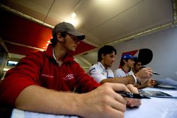 Romain Grosjean, Giorgio Pantano, Bruno Senna et Lucas di Grassi