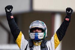 Lucas di Grassi celebrates his victory