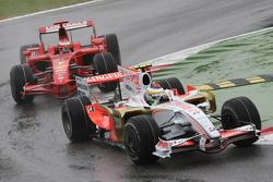 Giancarlo Fisichella, Force India F1 Team, VJM-01 leads Kimi Raikkonen, Scuderia Ferrari, F2008