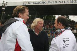 Colin Kolles, Force India F1 Team et Michael Mol, Force India F1 Team avec Sir Richard Branson, Prés