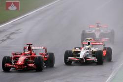 Kimi Raikkonen, Scuderia Ferrari et Giancarlo Fisichella, Force India F1 Team