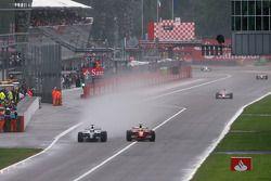 Nico Rosberg, Williams F1 Team et Felipe Massa, Scuderia Ferrari