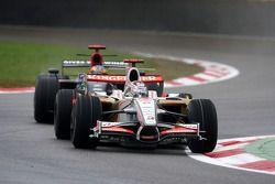 Adrian Sutil, Force India F1 Team, devant Sébastien Bourdais, Scuderia Toro Rosso