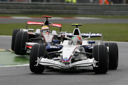 Robert Kubica, BMW Sauber F1 Team, F1.08 et Lewis Hamilton, McLaren Mercedes, MP4-23