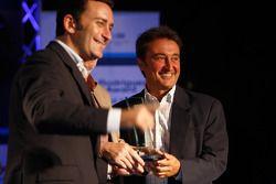 Adrian Campos reçoit son trophée