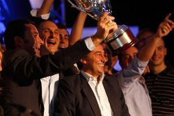 Adrian Campos and his team collect the award for 2008 GP2 Team champions