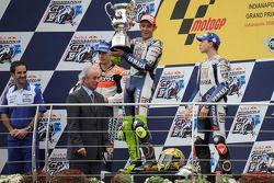 Podium: race winner Valentino Rossi, second place Nicky Hayden, third place Jorge Lorenzo