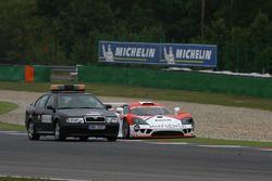 #13 Team Rbimmo B-Racing Saleen S7: Bernhard Auinger, Andrea Piccini stopped on the track