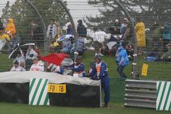 La carrera tiene una bandera roja después de 20 vueltas