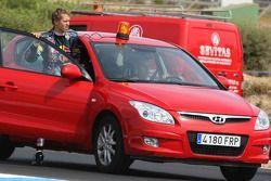 Sebastian Vettel, Red Bull Racing, à l'arrêt sur la piste