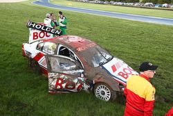 La voiture n°12 d'Andrew Jones victime d'un gros accident peu avant la fin de la course