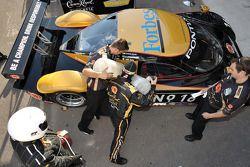 Cheever Racing practice re-fuel