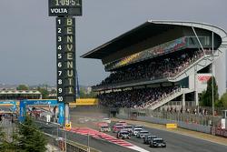 Start: Timo Scheider, Audi Sport Team Abt, Audi A4 DTM and Paul di Resta, Team HWA AMG Mercedes, AMG Mercedes C-Klasse battle for the lead