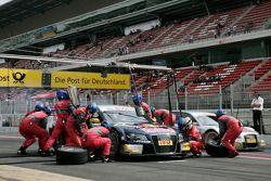 Pit stop for Martin Tomczyk, Audi Sport Team Abt Sportsline, Audi A4 DTM