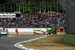 Accident au départ de Gabriele Tarquini, SEAT Sport, SEAT Leon TDI