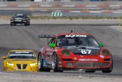 #87 Farnbacher Loles Racing Porsche GT3: Wolf Henzler, Bryce Miller, Dirk Werner