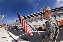 L'U.S. ARMY porte des drapeaux américains