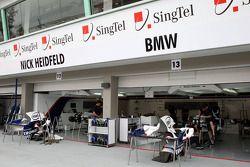 Le garage BMW Sauber F1 Team