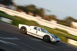 Whitsun Trophy Race: 1964 Ford GT40 prototype