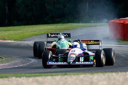 #8 Chris Woodhouse (GB) Woodhouse Bros., F1 Lola T90/50 Cosworth 3.5 V8, et #32 Florent Moulin (F) Ecurie Florent Moulin, F1 Benetton B188 Cosworth 3.5 V8