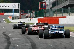#8 Chris Woodhouse (GB) Woodhouse Bros., F1 Lola T90/50 Cosworth 3.5 V8, #11 Walter Colacino (I) Scuderia Grifo Corse, IRL G-Force Chevy 3.5 V8, #25 Karl-Heinz Becker (D) Becker Motorsport, WS Dallara Nissan 3.4 V6, et #13 Peter Seldon (GB) Serverwaregrou