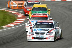 Rob Collard devant Steven Kane, Jason Plato, Matt Neal et Colin Turkington