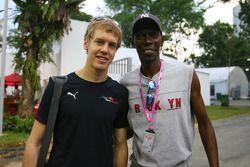 Sebastian Vettel, Scuderia Toro Rosso, mit Maxi Jazz von Faithless