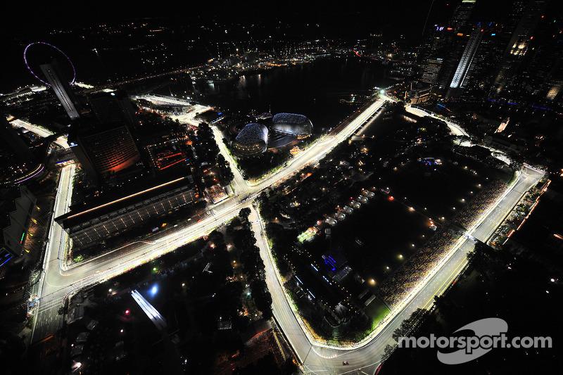 Дебютным для Гран При Сингапура стал 2008 год – первый же визит Формулы 1 в бывшую британскую колонию получился ярким во всех отношениях