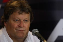 Conférence de presse FIA du vendredi : Norbert Haug, Mercedes