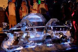 Red Bull Party at Sentosa Island: a Red Bull logo made of ice