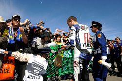 Jorge Lorenzo with fans
