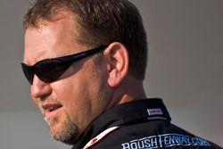 Le capitaine d'équipe de Discount Tire, Mike Kelly