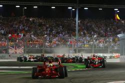 Старт: Феліпе Масса очолює перегони, Scuderia Ferrari, F2008